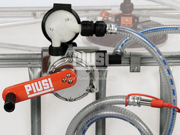 Ручной насос на IBC контейнер с фильтром - цена, заказать Ручные насосы Piusi